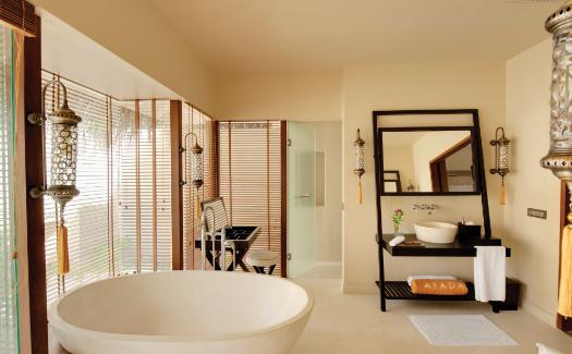 Bath tub at Ayada