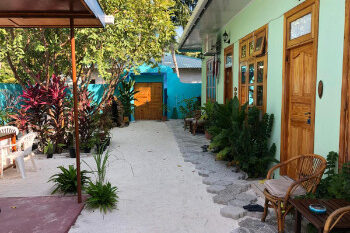 Royal reef stay guesthouse